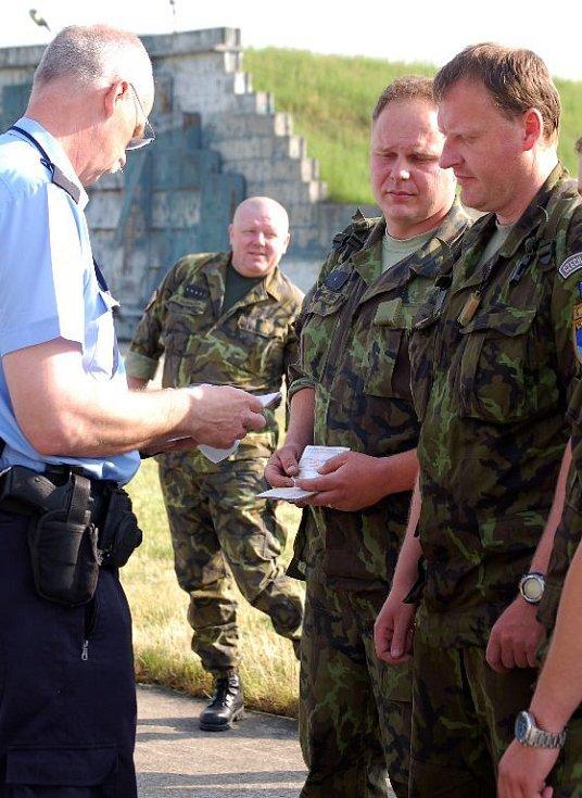 Vojáci z hranické posádky odlétají na misi do Kosova.