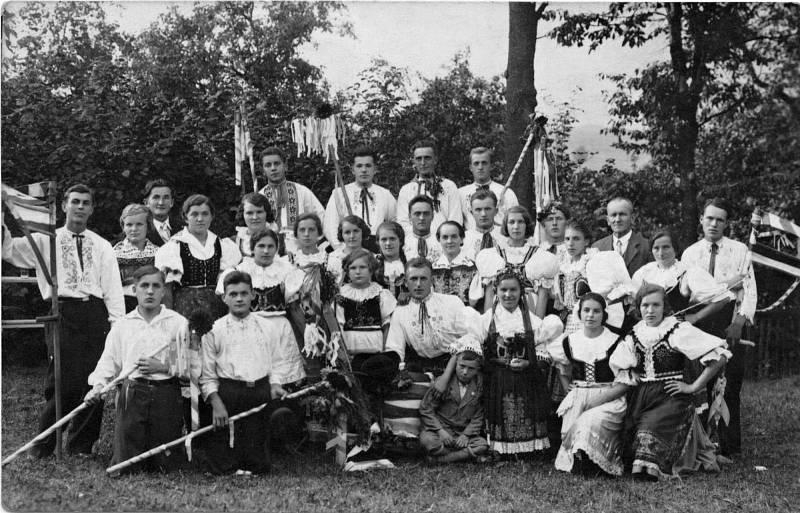 Dožínková slavnost v Ústí v roce 1943.