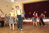 Sedmý ročník soutěže o Špičkový koláč zpestřilo i taneční vystoupení skupiny Oldies.