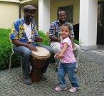 Výstavu unikátní a jedinečné sbírky rituálních sošek, masek a dalších artefaktů z Konga z oblasti Maniema s názvem Tribal Art Maniema Domorodé umění z Konga zahájila v pátek 11. května ve výstavní síni Stará radnice slavnostní vernisáž