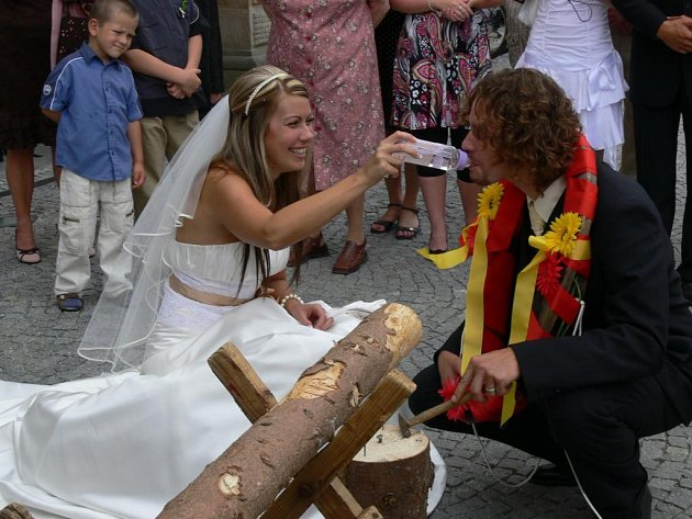 Magického data 8. srpna využili svatebčané jako den, kdy si řeknou své ano.