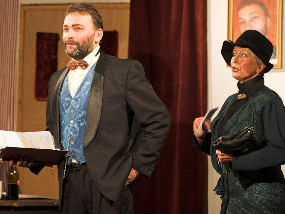 Ochotníci z divadla Tyl zahráli v Domácím divadle Stará střelnice dvě aktovky.