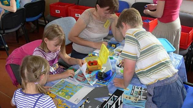 Stavba Legoměstečka v Hranicích