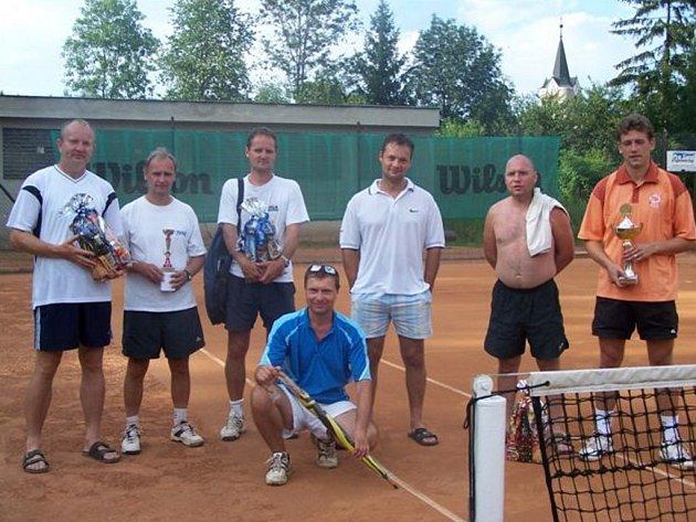 Třicet sedm tenistů se utkalo v Citově.