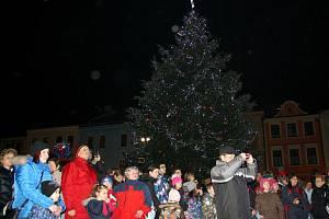 Rozsvěcení vánočního stromu v Hranicích 3. prosince 2015