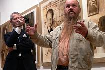 Libor Vojkůvka mluví, Vladimír Brunton fotografuje.
