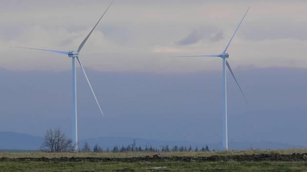 Větrné elektrárny ve Veselí u Bělotína na Hranicku.