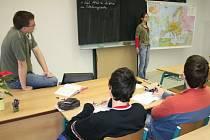 Do lavic neusedají jen děti školou povinné, ale někdy také třicátníci.