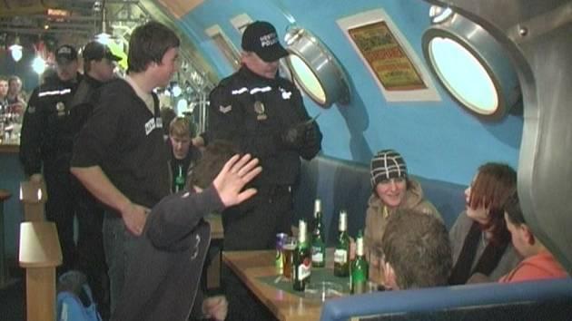 Policisté se zaměřili na hranické kluby, které navštěvují mladí lidé.
