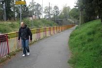 Cesta od autobusového nádraží k tomu vlakovému je v Hranicích dlouhá