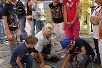 Přípravy na tradiční akci s názvem Po stopách lovců mamutů, kterou každoročně pořádá Základní škola J. A. Komenského v Hranické ulici v Přerově-Předmostí, v těchto dnech vrcholí.