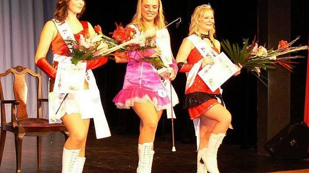 Zuzana Urbancová z Hranic - Mažoretka roku 2010 (uprostřed)