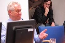Bývalý český premiér a důchodce z Vysočiny Miloš Zeman debatoval v úterý 20. října odpoledne se studenty Vysoké školy logistiky v Přerově.