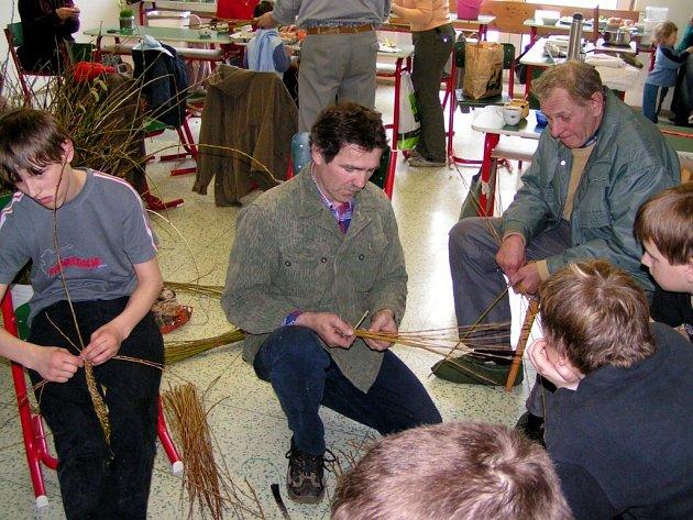 Střítežská škola ožila akcí s názvem Velikonoční řemesla.