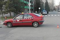 Cyklistu srazilo auto, má těžké zranění.