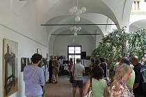 Olejomalby zátiší v Galerii severní křídlo zámku Hranice až do 26. srpna vystavuje slovenská malířka Veronika Vaculová