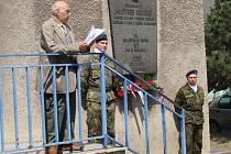 Památku majora Hynka Kokojana, který byl popraven 2. května na střelnici v Olomouci – Lazcích spolu s dalšími jednadvaceti Přerovany si ve čtvrtek připomněli lidé v přerovském podniku Kazeto.