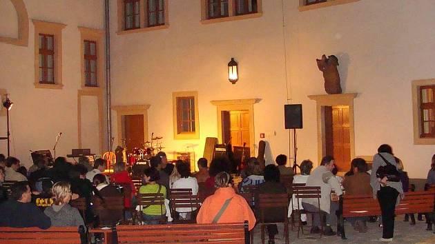 Koncert na nádvoří přerovského zámku
