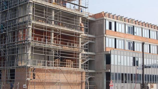Nové sídlo policie vyrůstá u Výstaviště.