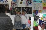 V Galerii M+M v Hranicích proběhla ve čtvrtek 5. května vernisáž k výstavě obrazů žáku Základní umělecké školy