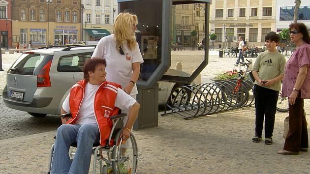 Zažili odpoledne na vozíčku.