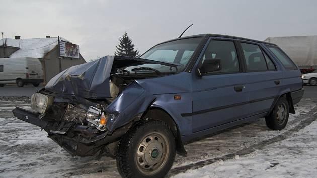 Jedna z dopravních nehod se stala ve Slavíči.