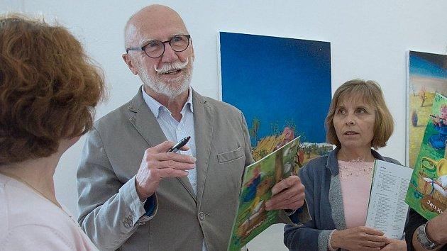 Vernisáž výstavy výtvarníka Jana Knapa v hranické Synagoze
