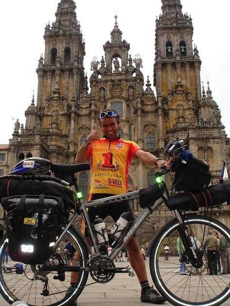 Pavel Kadlíček zdolal poutní cestu do Santiaga de Compostela. Začíná však už přemýšlet o dalším cíli, tentokrát Paříž – Peking.