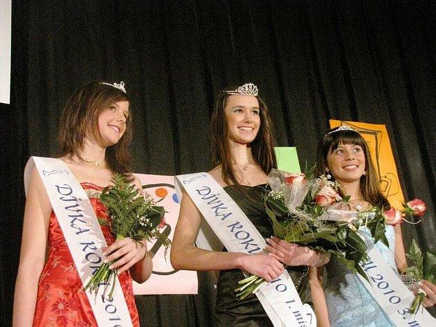 Vítězka roku 2010 - Adriana Perdulová z Hranic (vlevo)