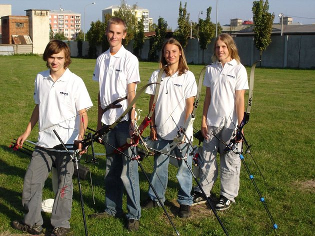 Na MČR mládeže oddíl LK TJ OP úspěšně reprezentovali Miroslav Hudec, Adam Němeček, Miroslav Hajduk a Jakub Kubica.