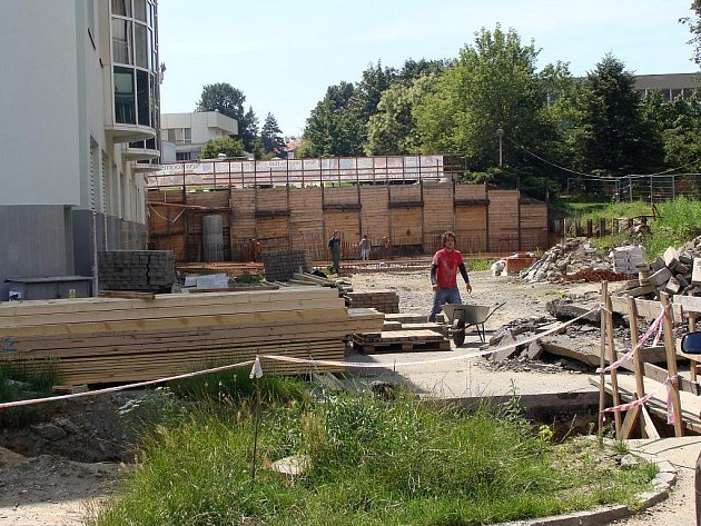 Rekonstrukce Hotelu Jana pokračuje.