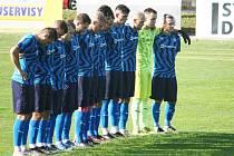 Fotbalisté Všechovic (v modrém) proti Bzenci.