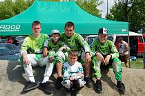 Tým BMX Abos Lipník na prvním závodu Moravské ligy ve Studénce.