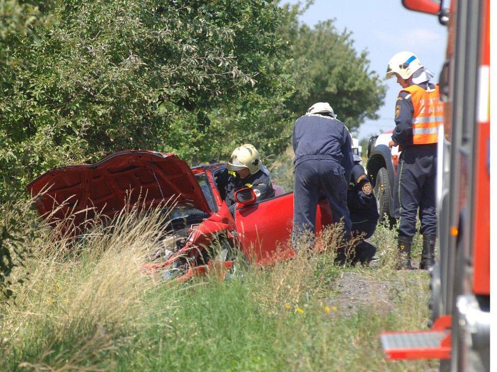 Havárie se naštěstí obešly bez vážných zranění. Jedno auto skončilo v příkopě.