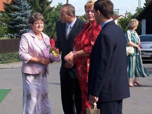 Velkou zásluhu na získání titulu Vesnice roku Olomouckého kraje měla podle místních starostka Miluše Stržínková (vlevo) a zdejší zastupitelstvo.