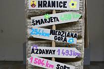 Žáci Základní školy 1. máje v Hranicích si připravili výstavu k projektu Erasmus plus.