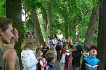Alej ve Skaličce - v péči stromolezců a pod dohledem dětí