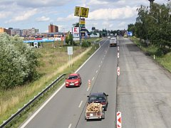 Silnice ze Slavíče do Bělotína. Ilustrační foto.