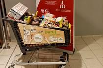 Potravinová sbírky se koná vhypermarketu Albert na Zborovské ulici v sobotu 21. listopadu od 8 do 18 hodin.