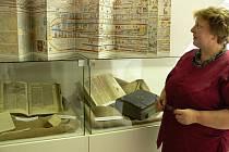 Bible včera, dnes a zítra. Výstava v hranické knihovně