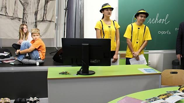 Čtyřmi zbrusu novými moderními učebnami se může pyšnit od pondělí 7. září Základní škola Šromotovo v Hranicích.