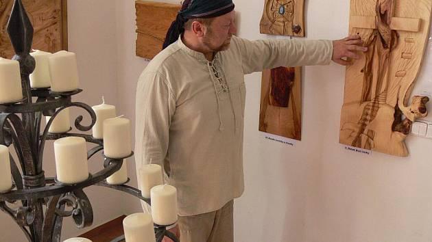 Výstava plastik dřevořezbáře Josefa Urbana