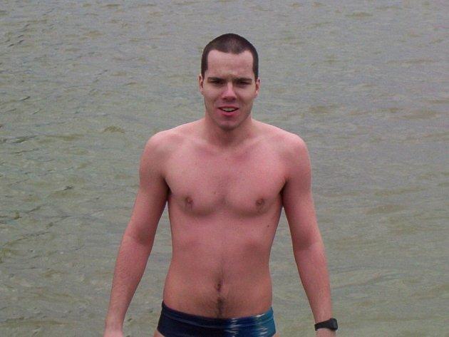 Vlastimil Zaoral mladší vyhrál závod na sto metrů.