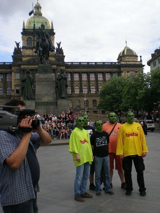 Hranická formace Traktor spolu se Zdeňkem Izerem natáčela nový klip v Praze.