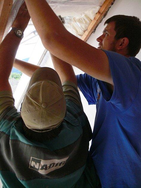 Stavba azylového centra vDrahotuších