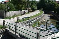 Nyní je most z bezpečnostních důvodů uzavřen.