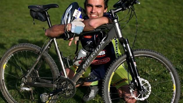 Pavel Kadlíček se chystá na měsíční pouť na kole do svatého města ve Španělsku.
