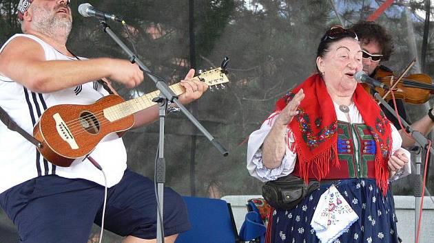 Kapela Fleret s Jarmilou Šulákovou
