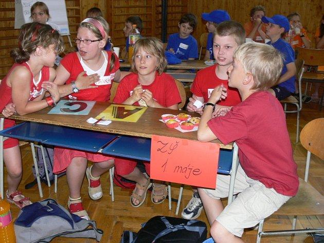 Naučit se něco nového o zákonech a přitom se pobavit a zasoutěžit si, to všechno mohly zakusit děti z prvních stupňů hranických škol, které se zúčastnily soutěže Paragráfek.