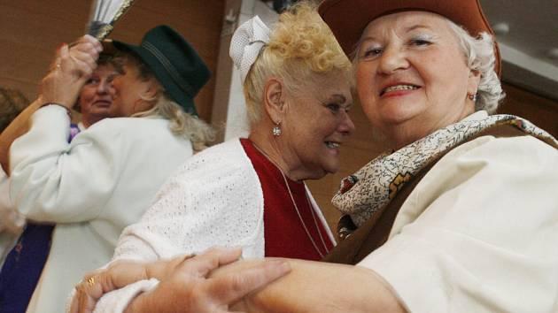 Kontrola ověřovala, jak se personál chová ke klientům domovů pro seniory.